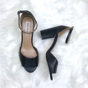 Steve Madden Black Leather Chunky Heel Sandals 8.5